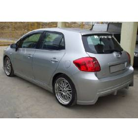 Задний бампер Toyota Auris (AT)