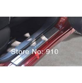 Пороги с подсветкой Nissan Tiida (NT-P12)