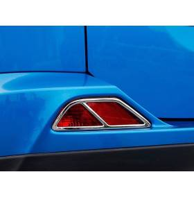 Хром на задние габариты Toyota RAV 4 2016 (RV-L64)