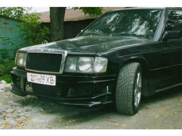 Передний бампер Mercedes 190 W201